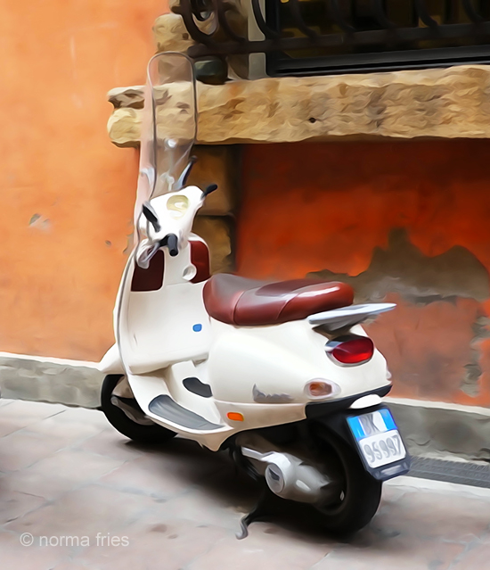 """IT276: """"Italy: Whie Vespa"""""""