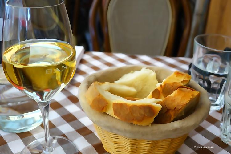 "IT300: ""Italy: dinner always looks like this"""