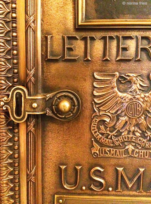 """TU711: """"Chicago: mail box"""""""