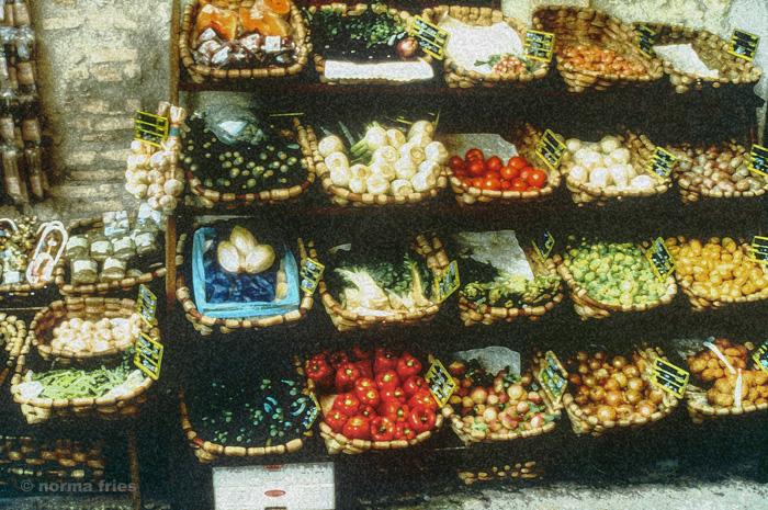 "TU719: ""South France: Open market"""