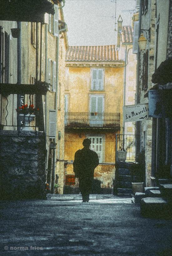 """TU720: """"South France: woman walking"""""""