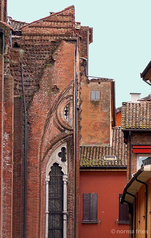"IT279: ""Bologna: Half wall"""