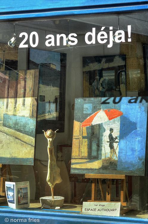 FR427: Gallery celebrates art! (Honfleur, France)