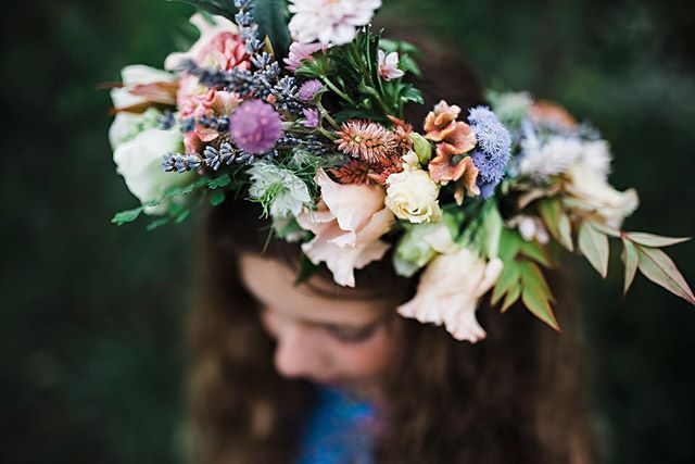 A few weeks ago I photographed the sweetest flower crown workshop, which was organized by my insanely talented floral designer friend, Julie of @beaumonthousedesign | I love working with Julie because she is so passionate about what she does and no details are spared when she organizes an event. Can you believe that a 6th grader created this stunning crown?? . . More to follow! . .  @nancypoloart @thesweetelephantbakeshop @curiousfoxpress