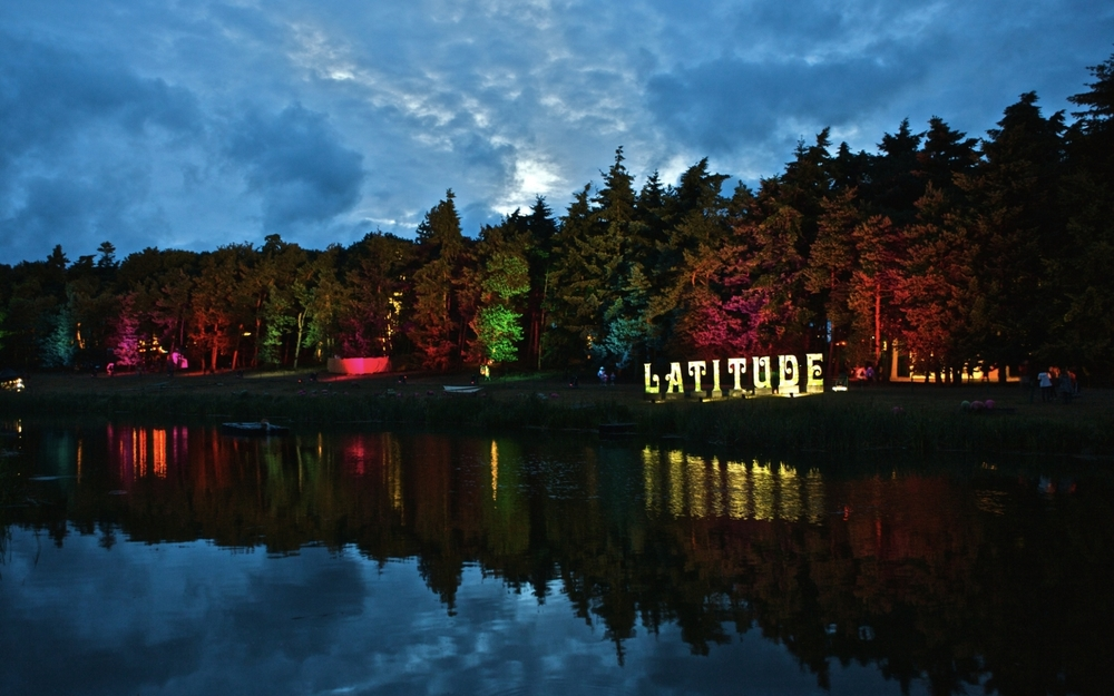 2009_Latitude_Cut-Out-Sign_Night_Marc-Sethi_hires1.jpg