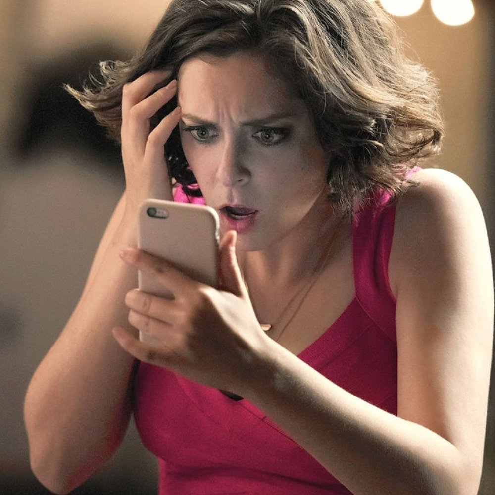 3054248-poster-p-1-crazy-ex-girlfriend-star-rachel-bloom-on-creating-the-years-most-unique-show.jpg