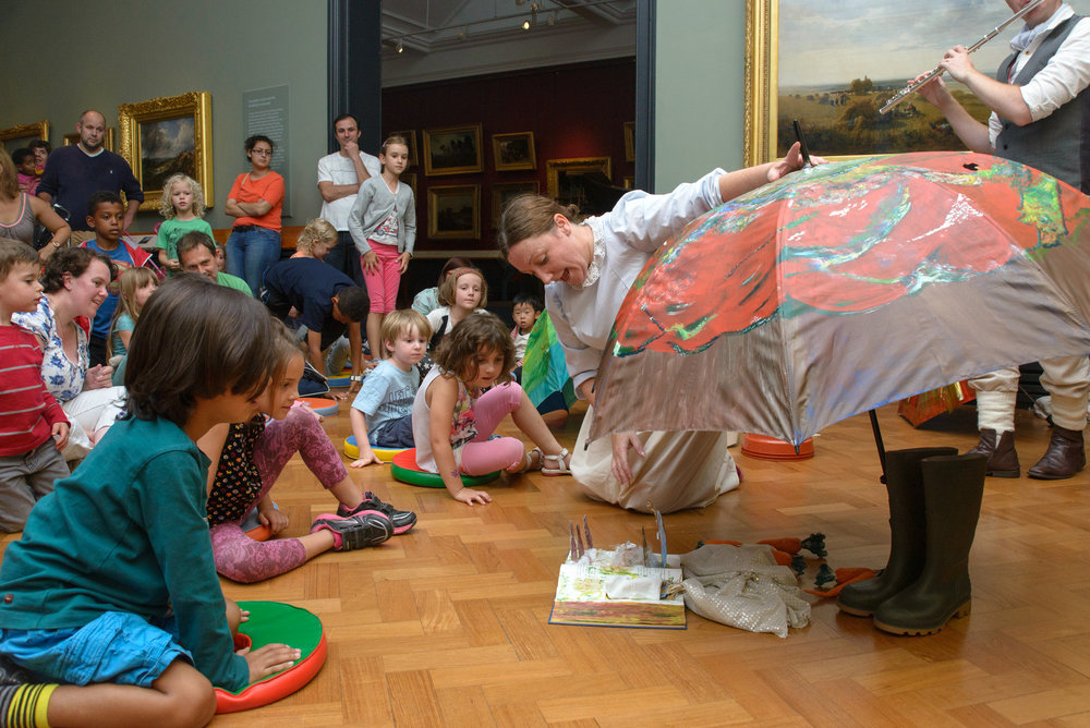 Photo credit: Pop-up Performance© Victoria and Albert Museum, London.