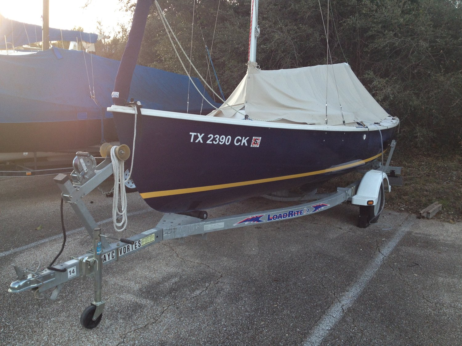 2004 Rhodes 19 Centerboard Sailboat Located in TX