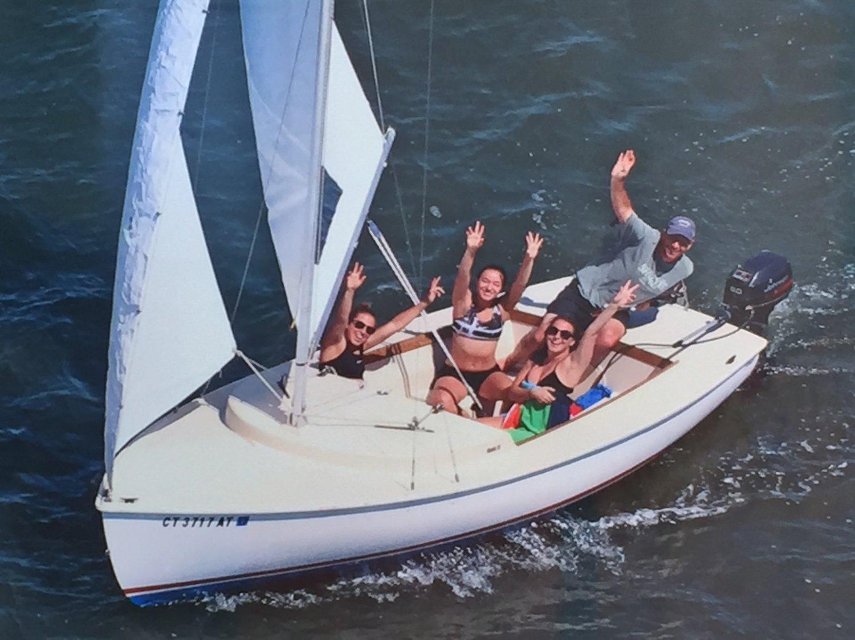 1988 Rhodes 19 Centerboard Sailboat