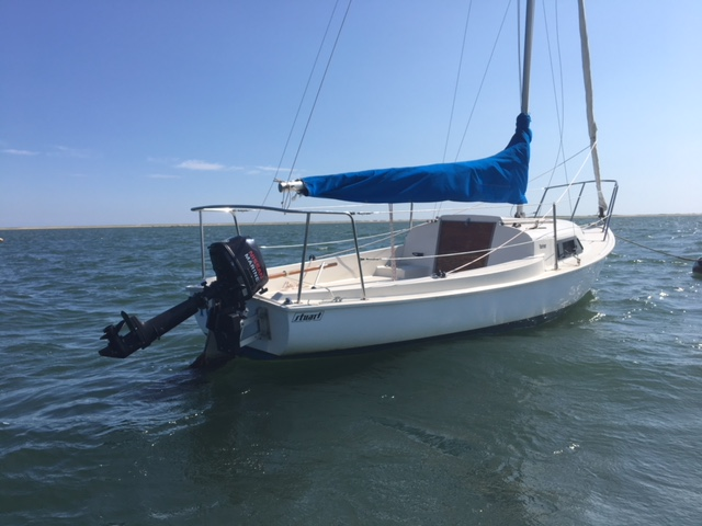 1991 Mariner Centerboard Sailboat Located in MA — Stuart Marine Corp
