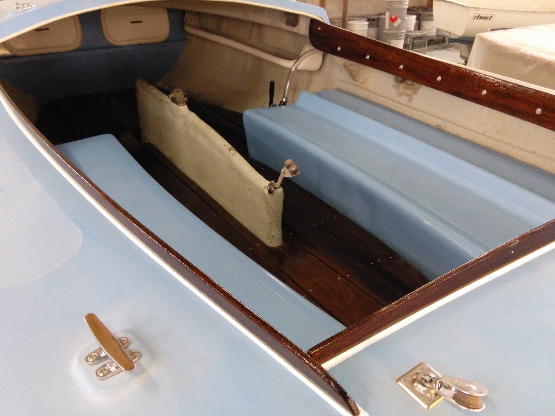 White 1965 Rhodes 19 Centerboard Sailboat NH — Stuart Marine Corp