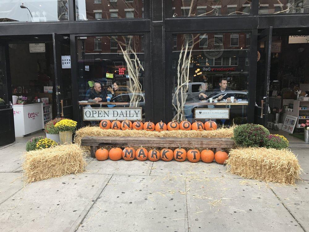 GANSEVOORT MARKET, OCTOBER Seasonal Display