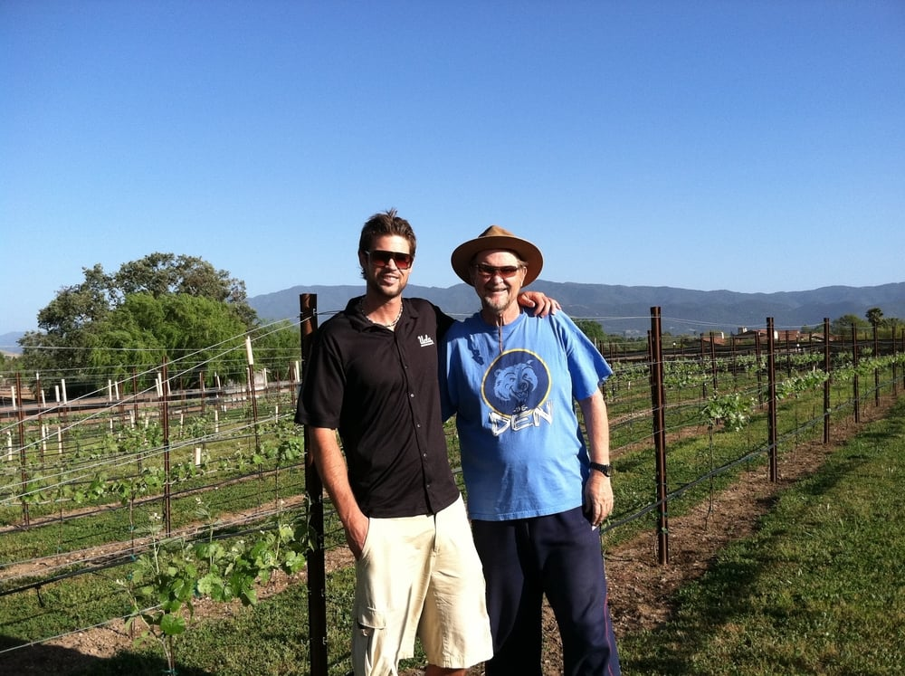 matt-harry-mckinney-family-vineyards-2010-planting.jpg