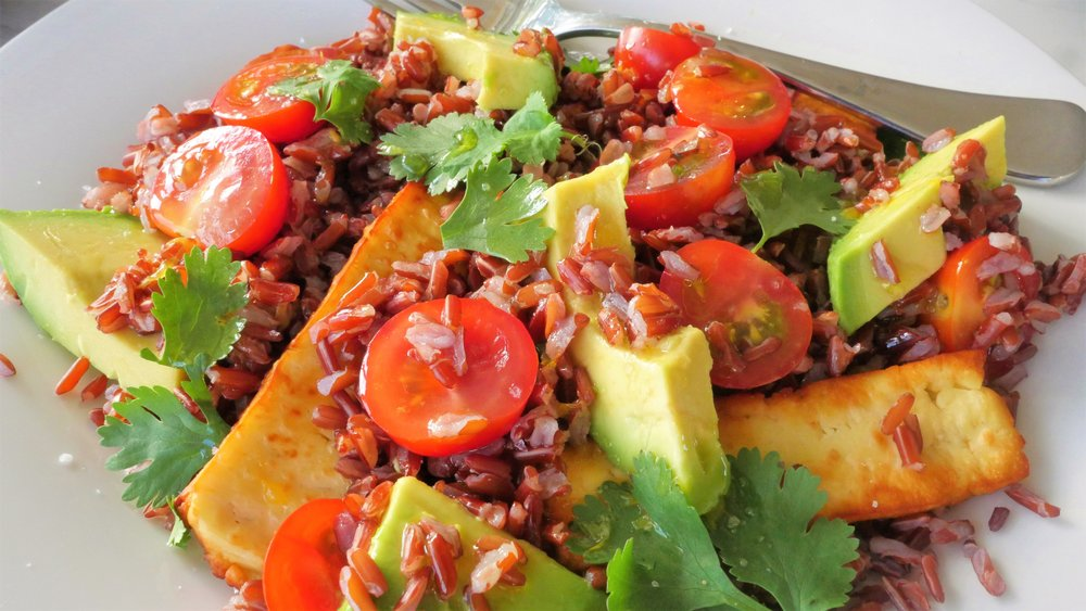 Red rice, avocado and haloumi salad - Natalie Brady Nutritionist...jpg