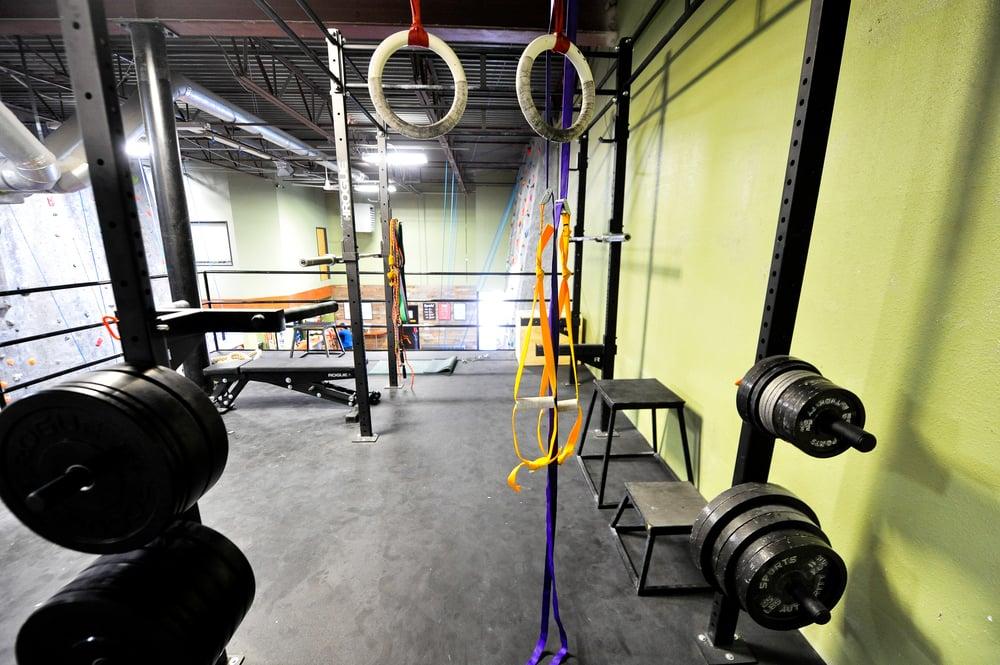 Summit Carrollton Fitness area