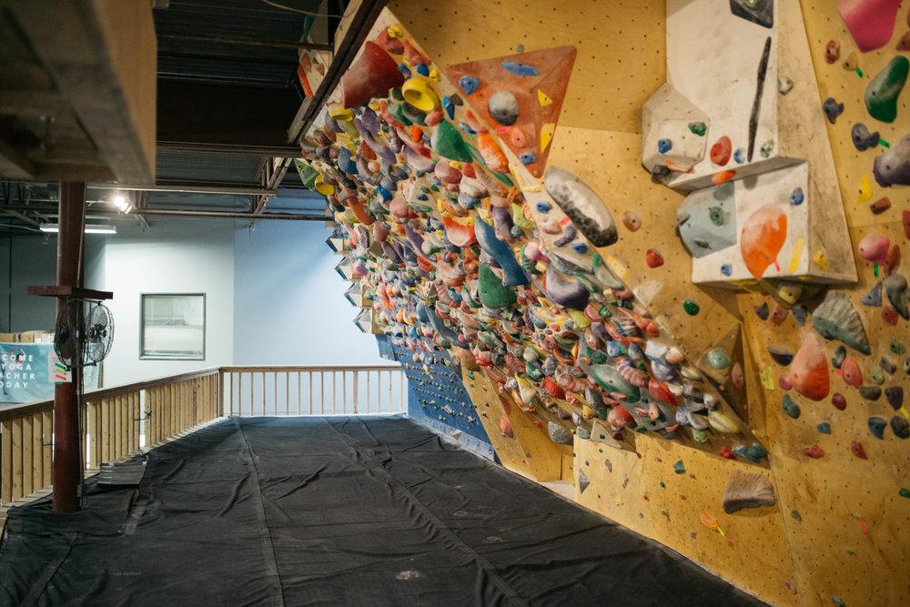 Circuit climbing wall at Summit Carrollton