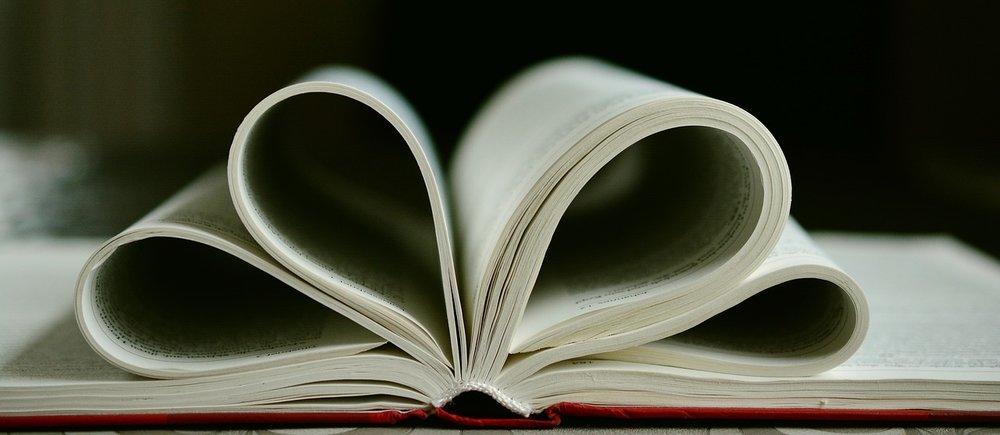 book-2159514_1280.jpg
