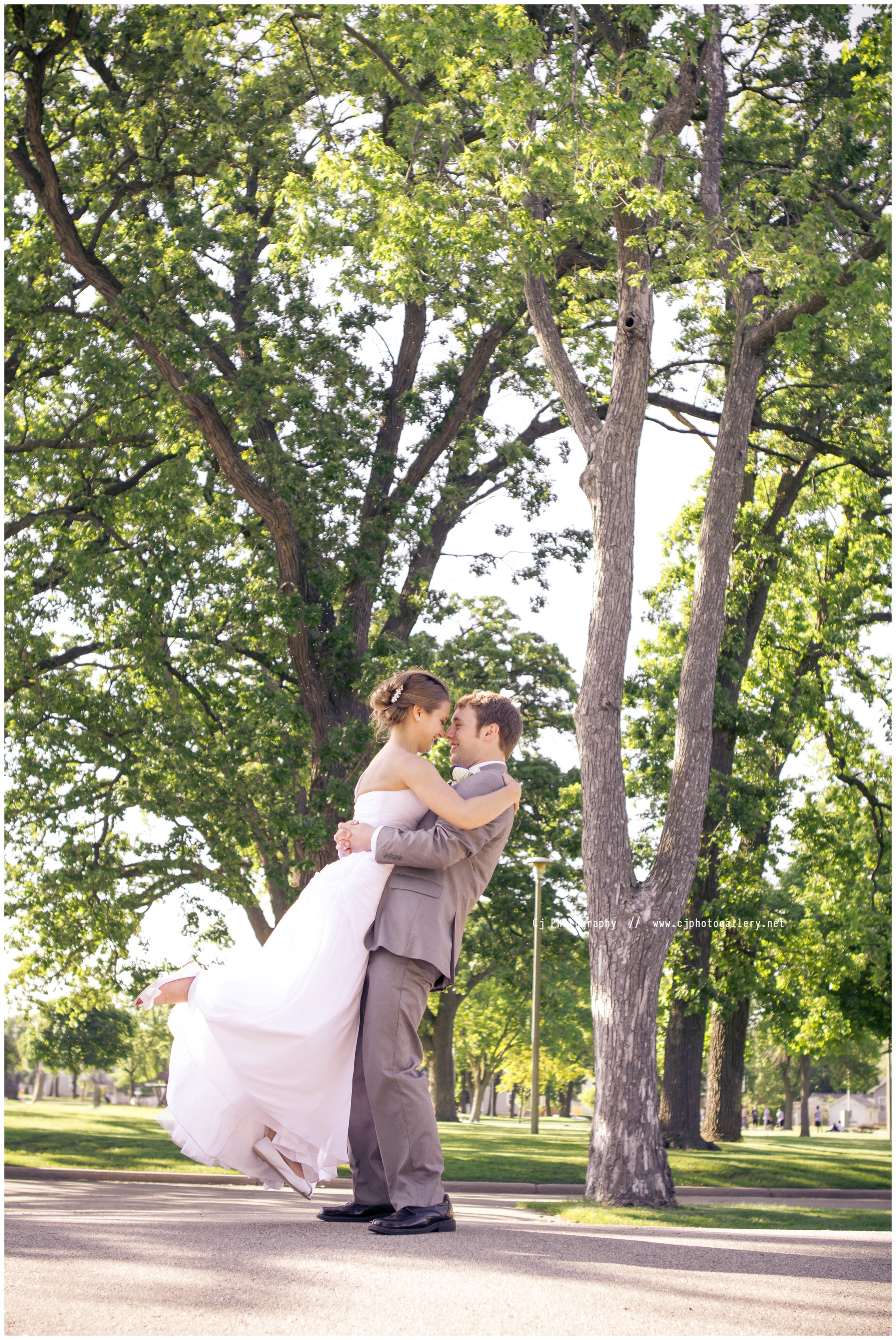 Oshkosh Wisconsin Wedding Photography - Cj Photography