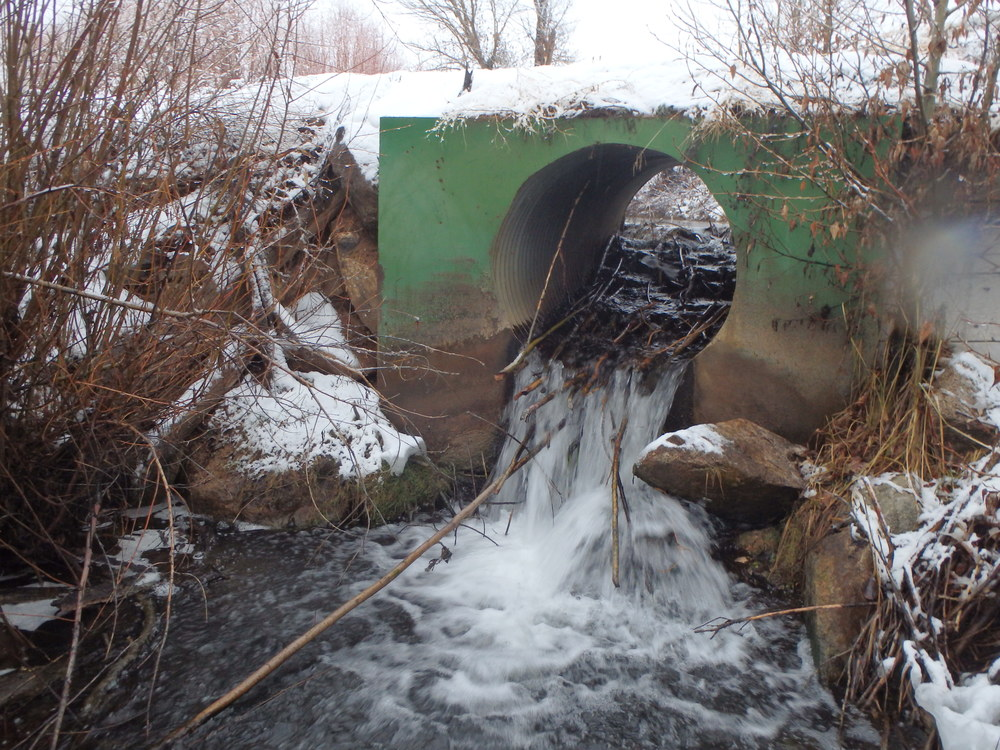 Culvert / irrigation control structure that is a barrier to fish passage - stream restoration