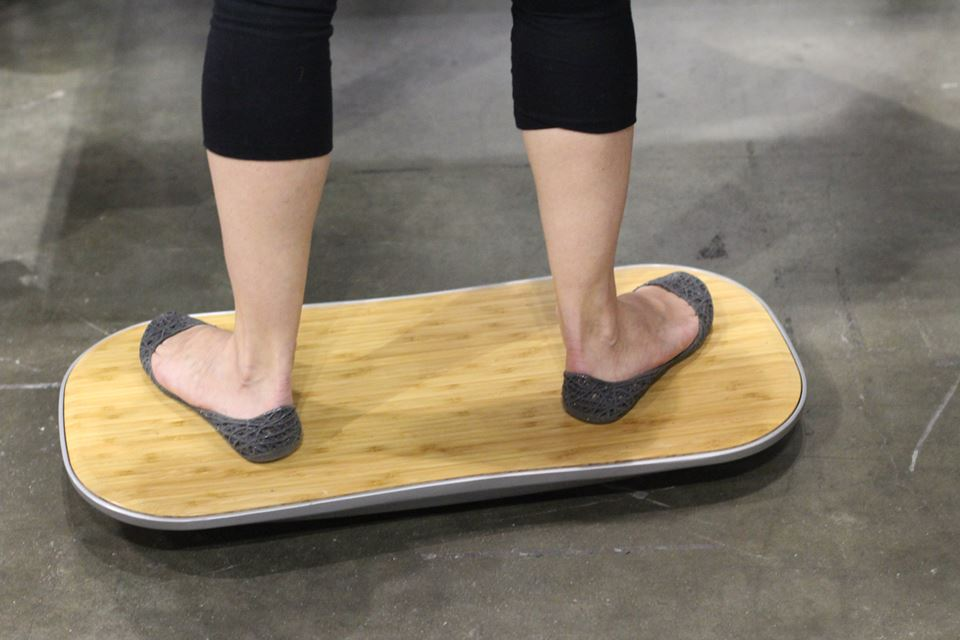FLUIDSTANCE - standing board for work or play — at Dwell on Design LOCZIlens