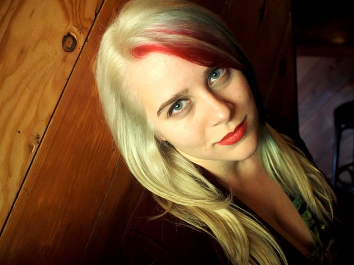 BPosey_Blonde_2.jpg