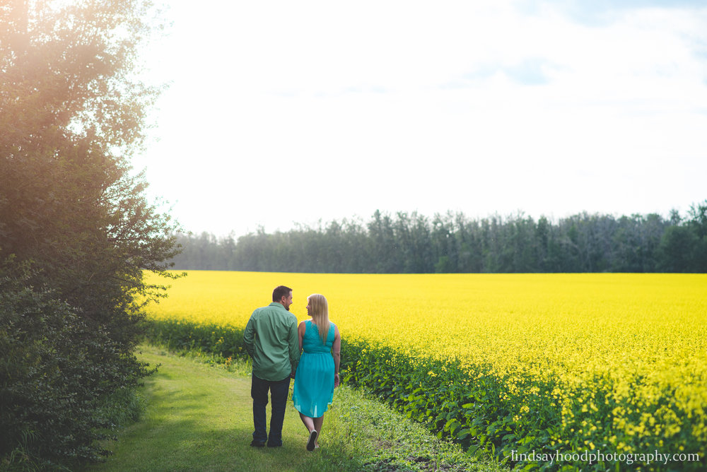 edmonton-engagement-photographer-wedding-edmonton-photography-canola-alberta-6.jpg