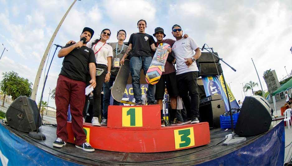 Ganador del Mejor Truco del primer torneo de skate en Ecuador