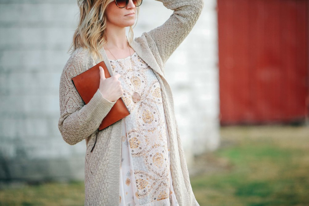 Sweater Olive & Oak - Evereve  HERE