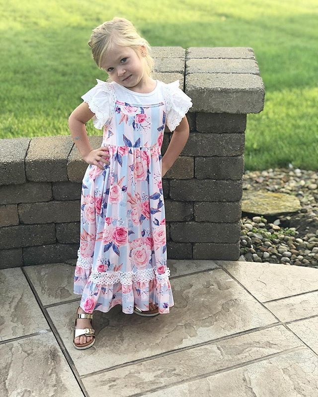 Someone is loving her new maxi from @middlesisterfashion She carries women's & girls fashion in her adorable boutique on wheels! Check her out!! #instafashion #girlsfashion #shoplocal #powellohio #ootd