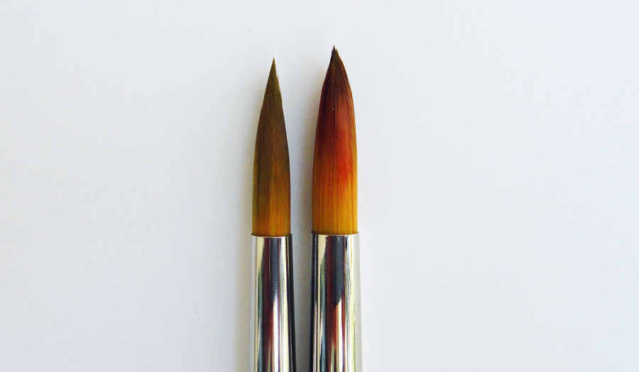 The ultra round brush is on the left, and the standard round is on the right.