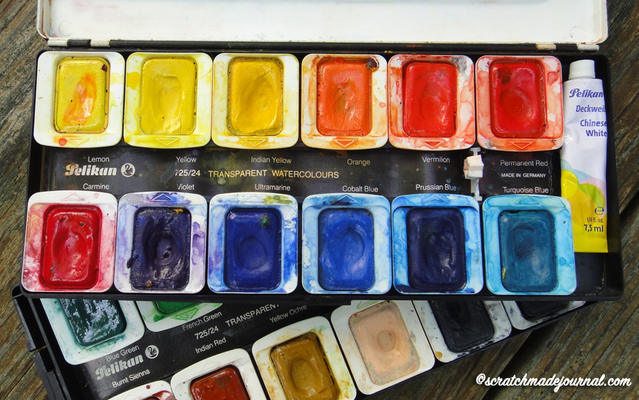 My first watercolor palette, a kind of vintage Pelikan - scratchmadejournal.com
