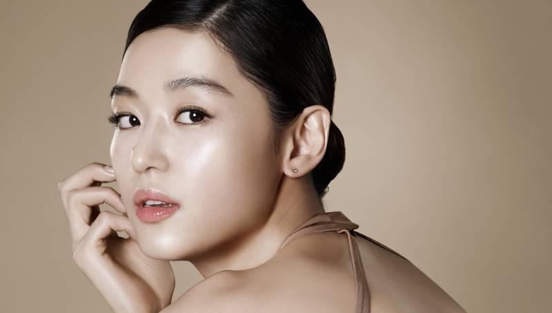 Jun Ji-Hyun, the leading lady of My Love from the Stars. Watch it!