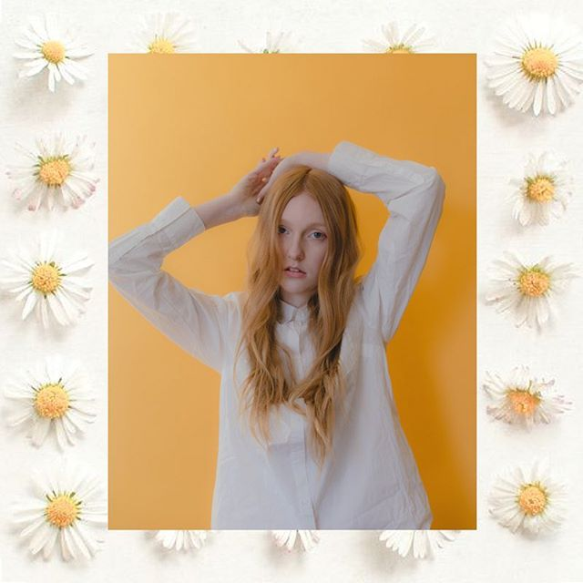 @brisbane.j serving strawberry sunshine vibes 🍓🌞〰️ . . photographed by @theiansantos. hair + makeup by me #pluckycharm