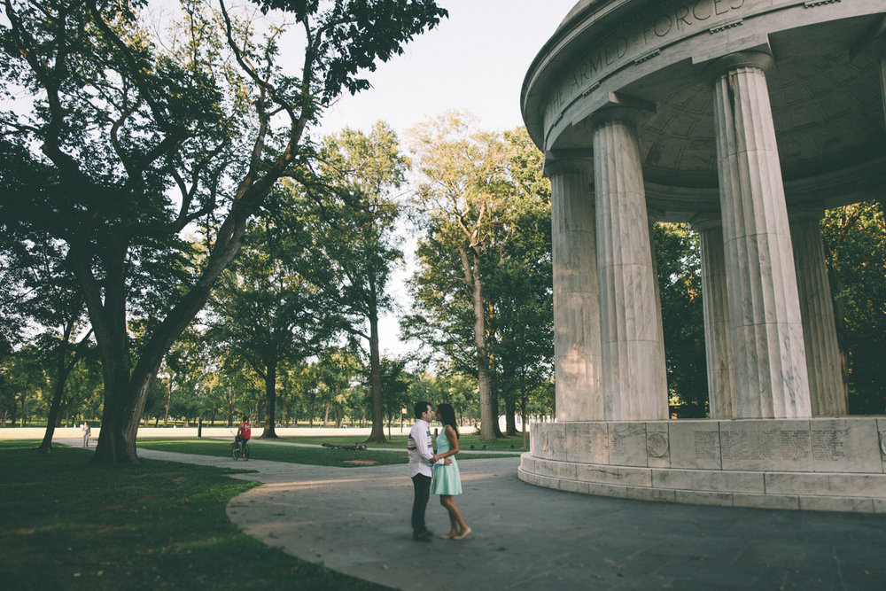 engagement session washington dc mall dc war memorial 2.jpg