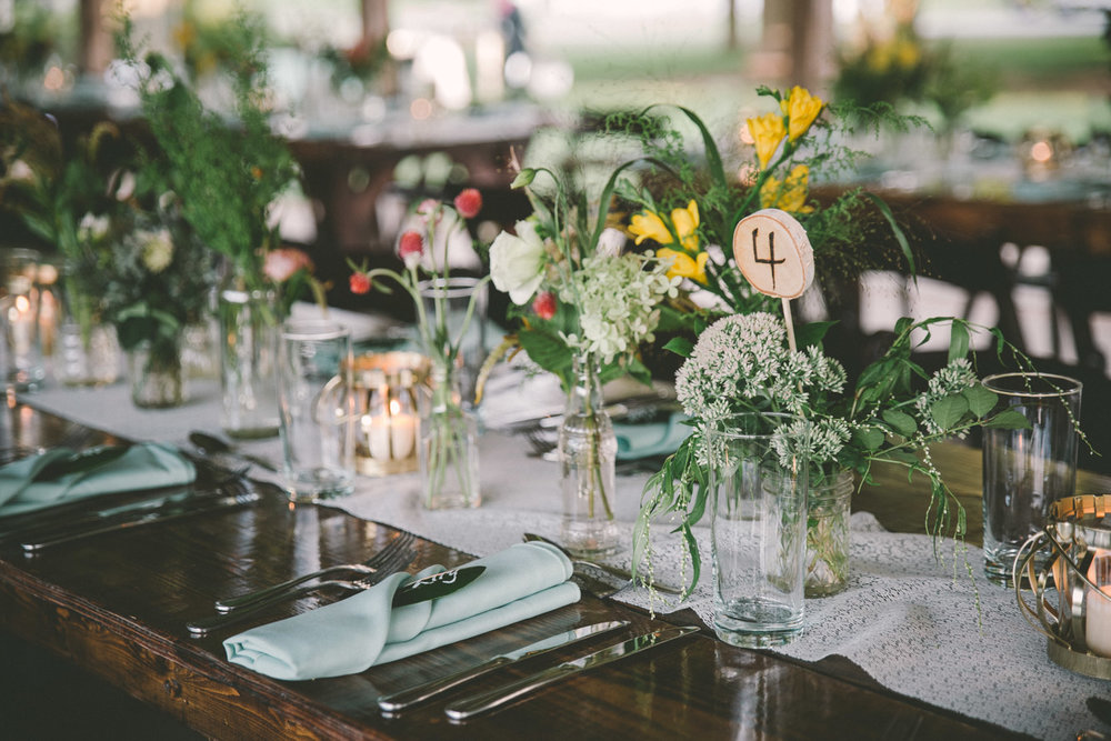 rustic wedding decoration.jpg