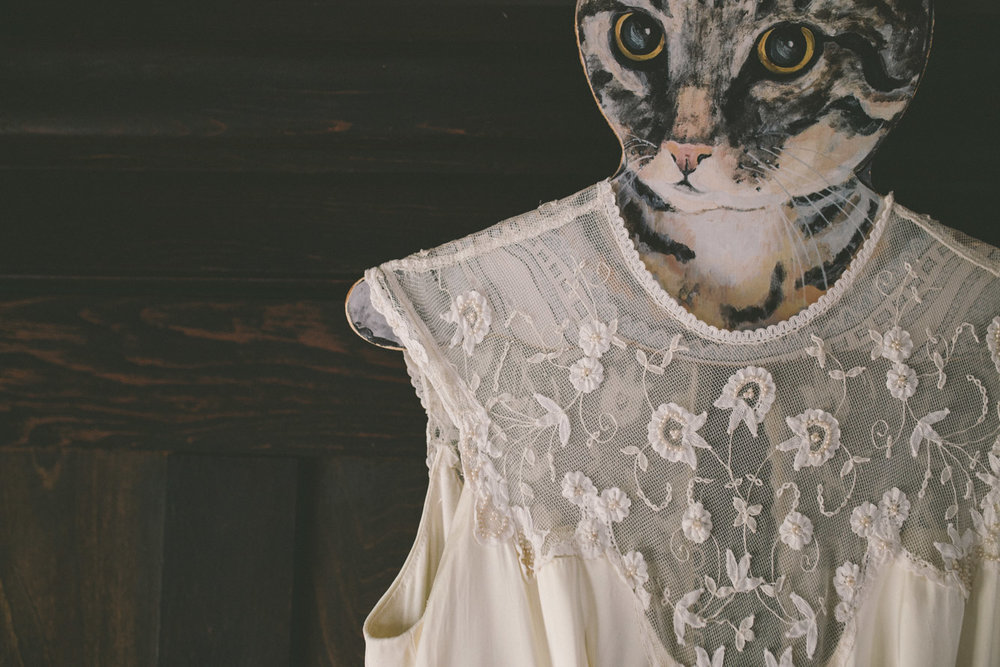 vintage wedding dress cat hanger.jpg