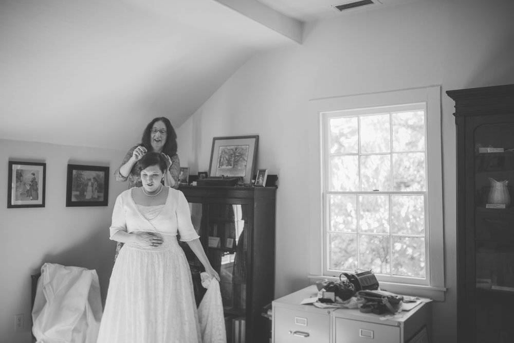 cherry hill farmhouse bride getting ready.jpg