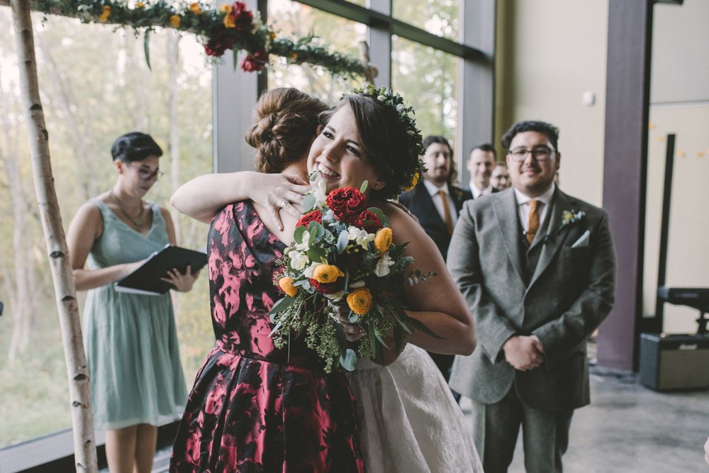 cylburn arboretum baltimore wedding bride hugging mother.jpg
