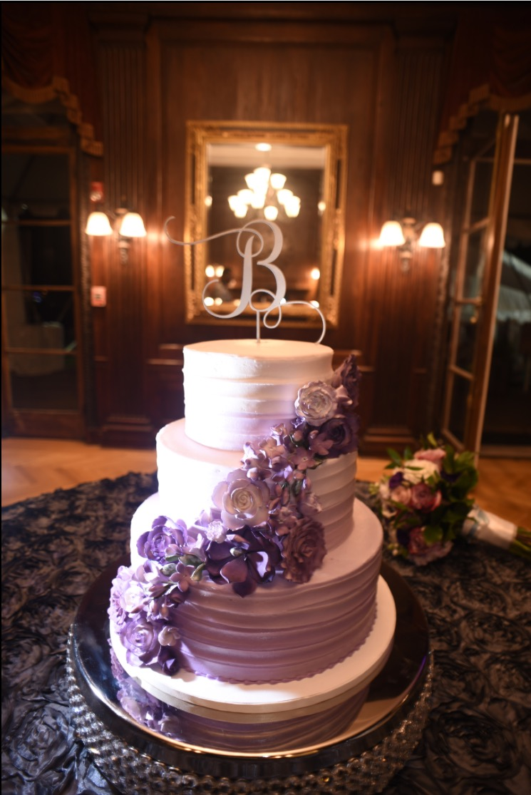Banks Wedding Cake.jpg