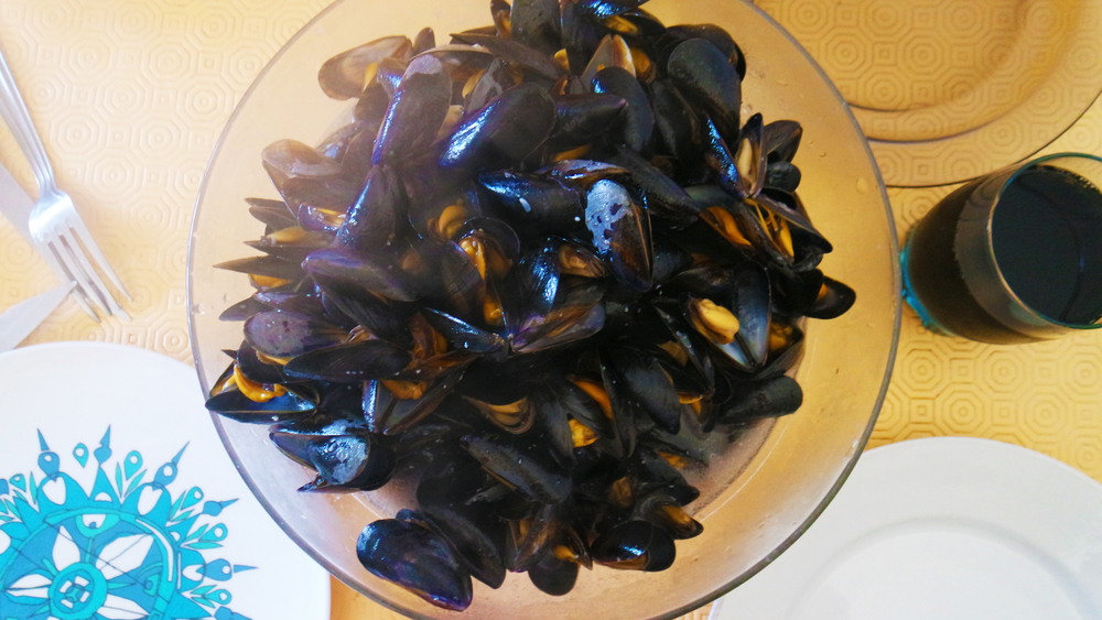 Fresh Mussels for breakfast? YES PLEASE!