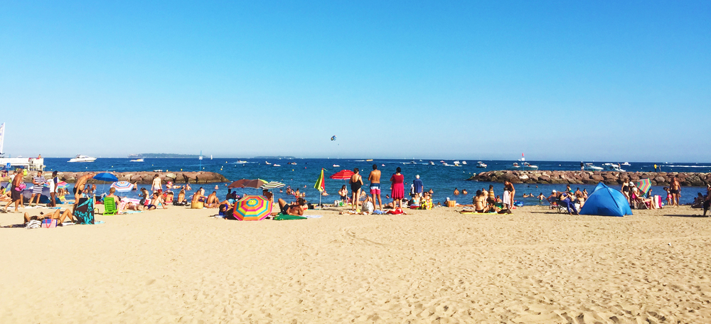 Nice sandy beaches in Cannes!