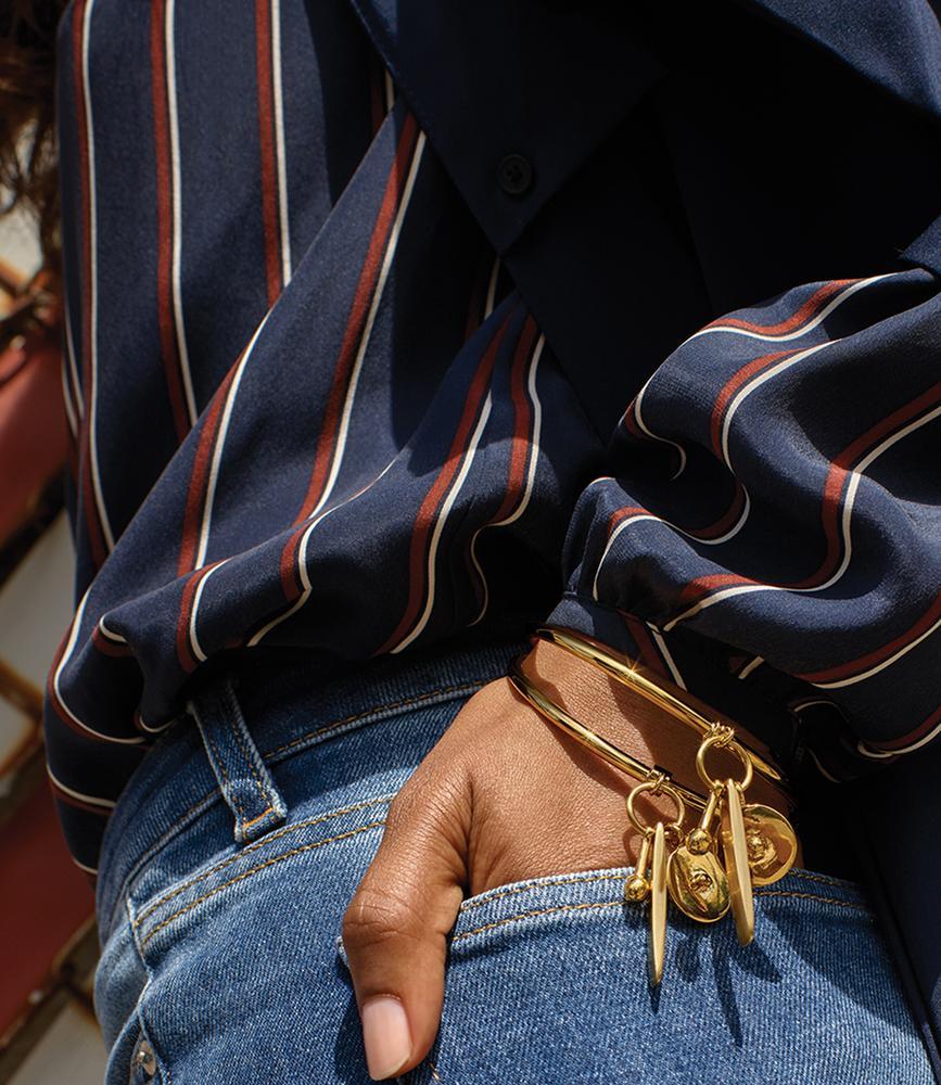 thefashionablekelebek: latterlig: Andrea Spotorno, WSJ Magazine http://thefashionablekelebek.com }|{ http://www.gracemelbourne.com.au/collections/frame-denim/products/frame-denim-le-classic-pleat-shirt-navy-vintage-stripe