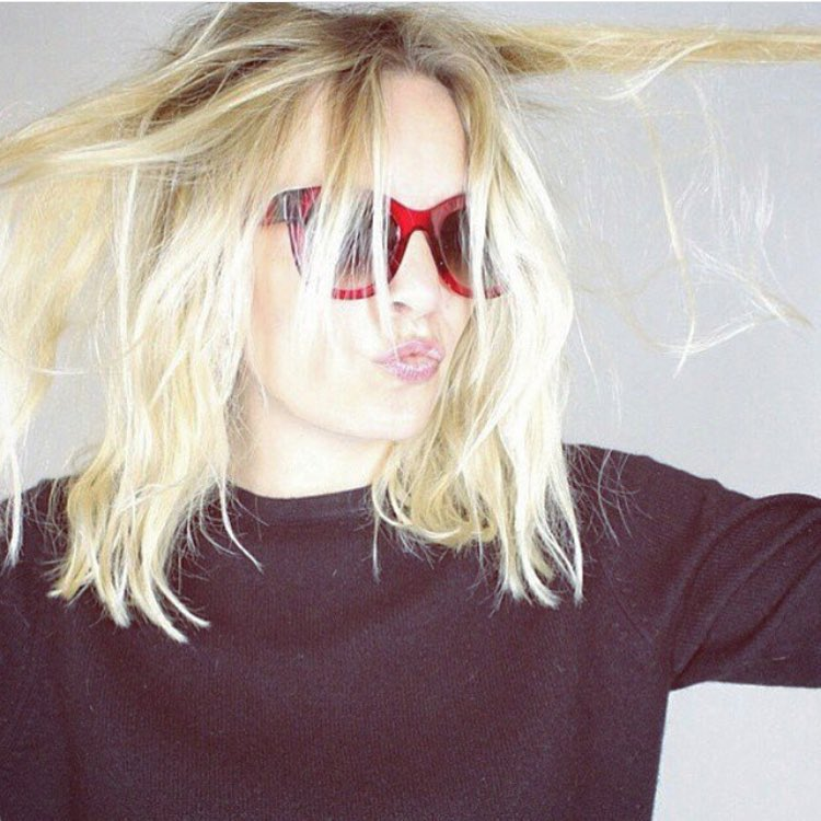 Mid week magic - that hair & those shades! @theirrylasry love ❤️ from @amybannermanstylist