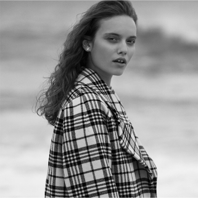 Wednesday winter warmer. Sale pick today is amazing tartan @carvenparis oversized wool coat! Make sure you don't miss out on our 30% off mid-season mark downs! #sale #carven #winterwoolies #gracemelbourne via @laurendietze (at www.gracemelbourne.com)