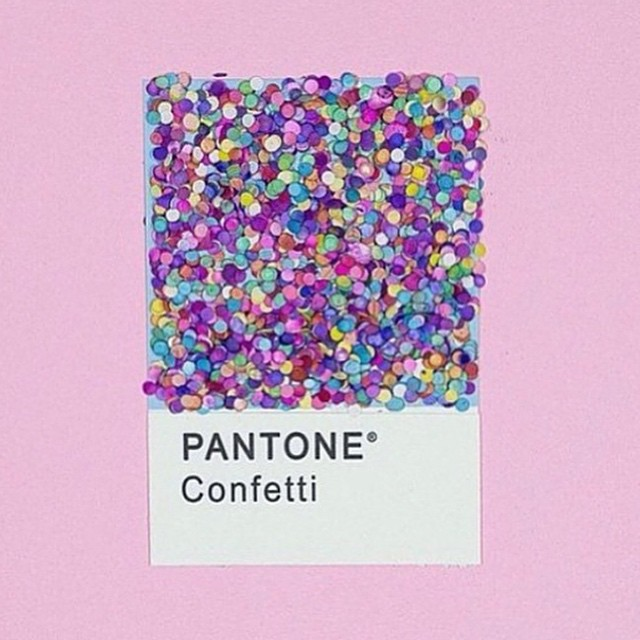 Wishing you all a colorful Thursday! ✨ #color #pantone #glitter #sparkles #gracemelbourne (at www.gracemelbourne.com)