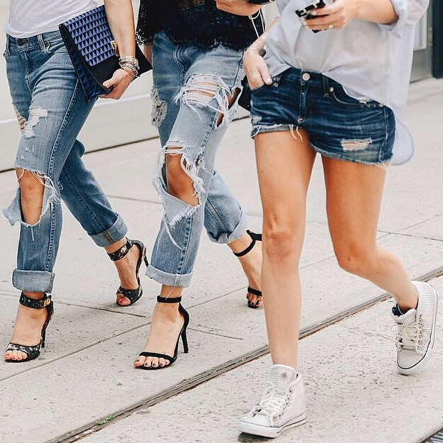 Happy Wednesday! Every day is a #denim day 💙 #streetstyle #tommyton #classic (at www.gracemelbourne.com)