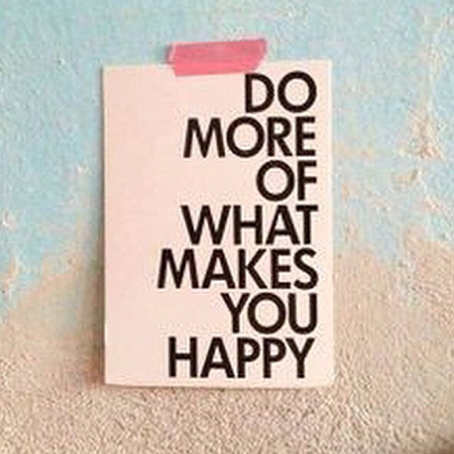 #HAPPY #FRIDAY! ✌️ (rg: @theglossier) (at www.gracemelbourne.com)