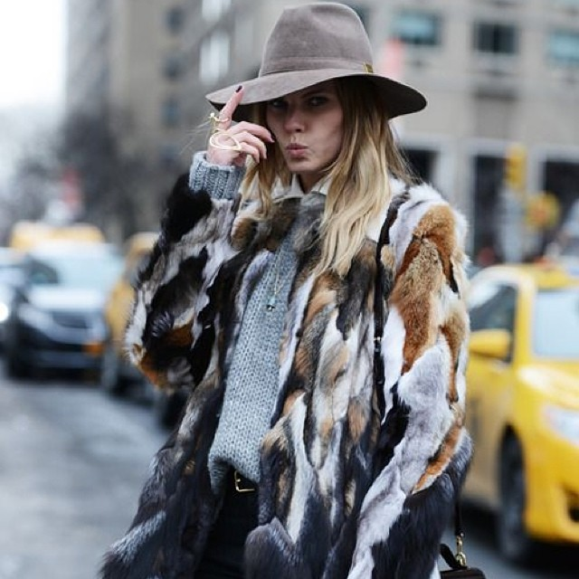 On the streets… Later, working week! For more of our street style inspo, check us out on #Pinterest at Grace Melbourne. #friday #streetstyle #inspo #gracemelbourne (at www.gracemelbourne.com)