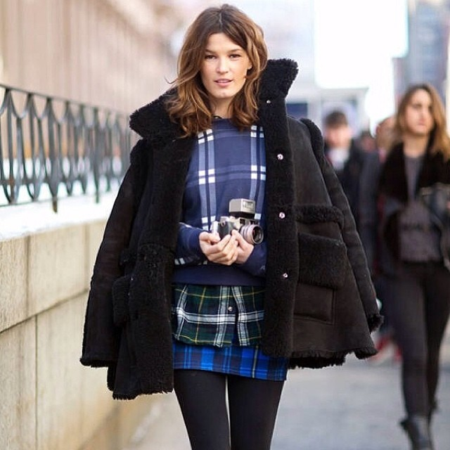 Look we love on the streets of NYFW. Hanneli Mustaparta doing checks on checks on checks!