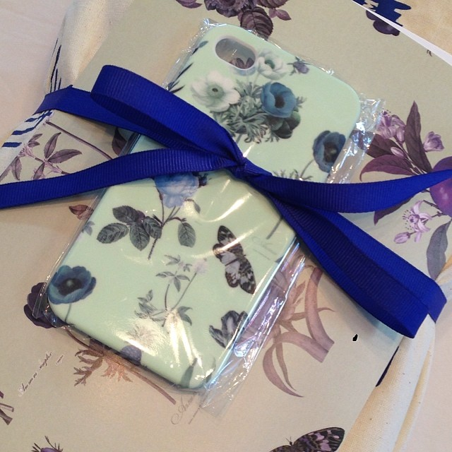 We're busy bees sending orders out to lovely customers, including free GRACE iPhone cases for every shopper until Monday 27th! Get in quick as the offer only lasts as long as the covers do!